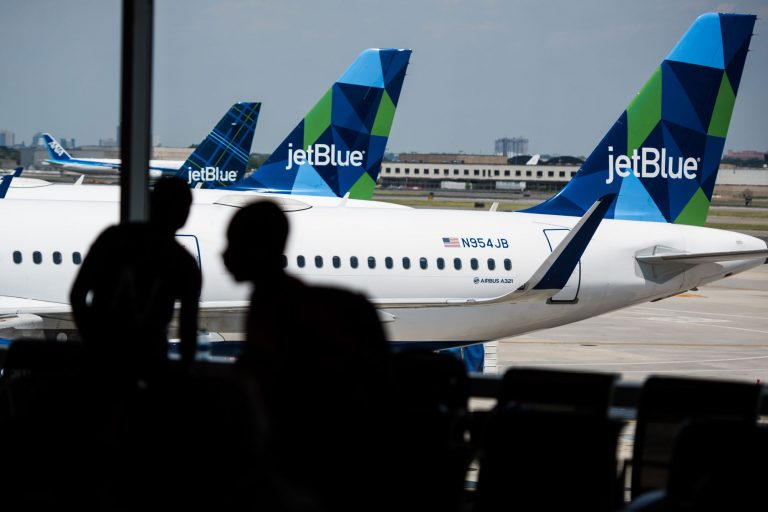 JetBlue to stop blocking seats on board in January