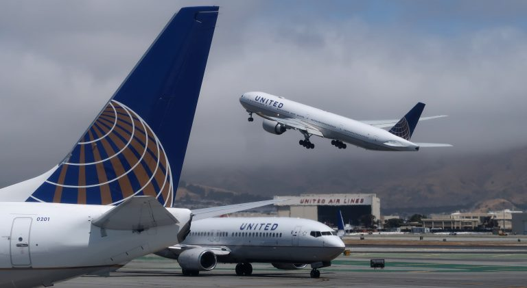 United Airlines boosts Thanksgiving schedule: Busiest since March