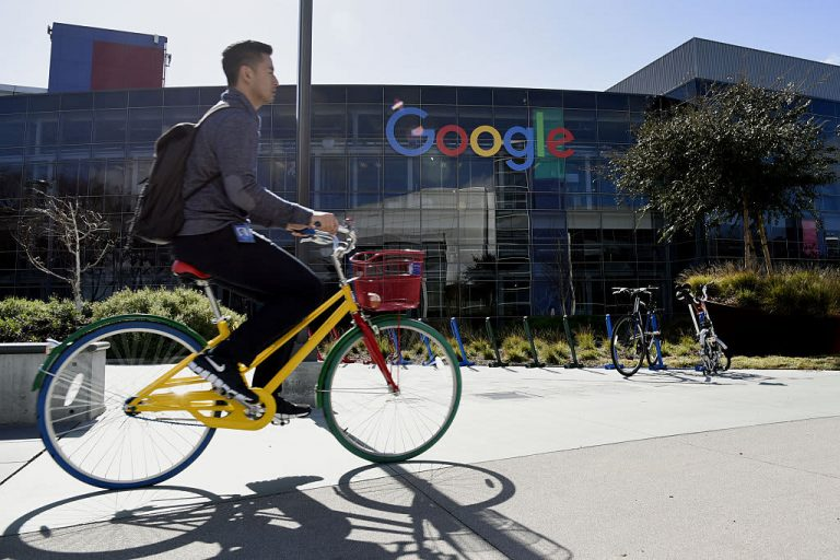 Google allowing employees to hold some meetings outdoors on campus