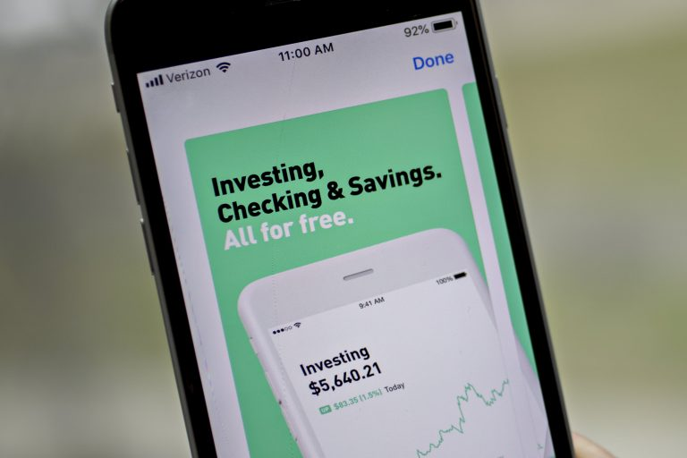How pro investors are adapting to the influx of quick-triggered, app-using market players