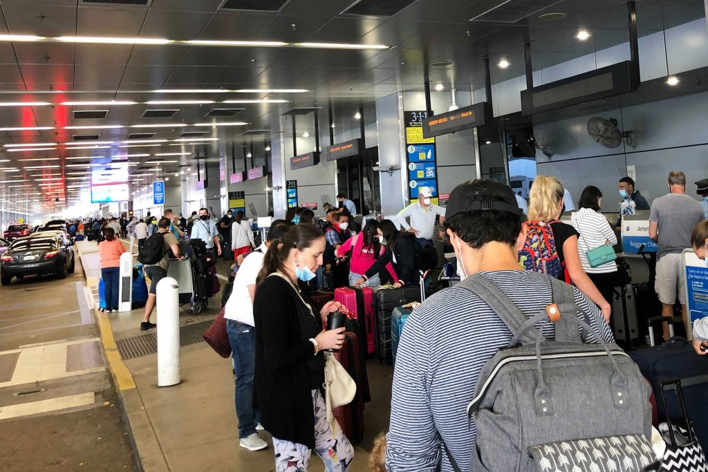 Air travel hits new pandemic high over New Year's weekend