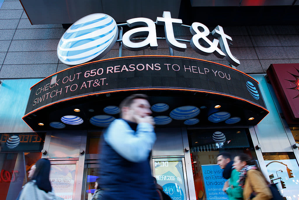 AT&T to spin off DirecTV, AT&T TV Now and U-Verse into new company