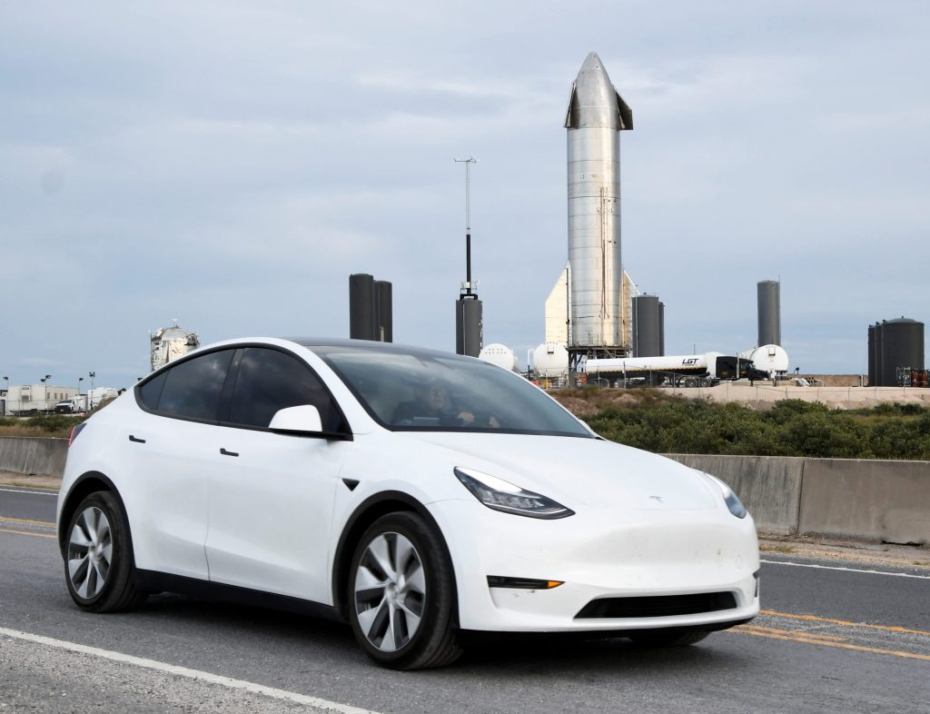 Tesla Engage asks owners to take political action on company's behalf