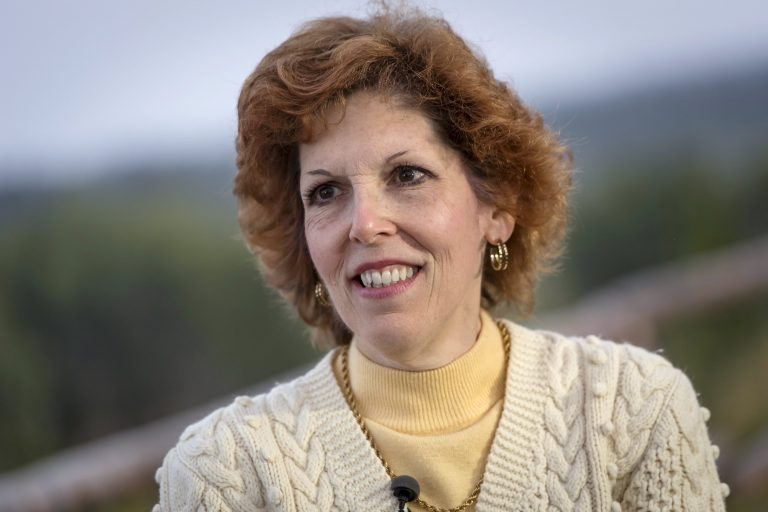 Fed's Mester lauds jobs report, but says loose policy is staying put