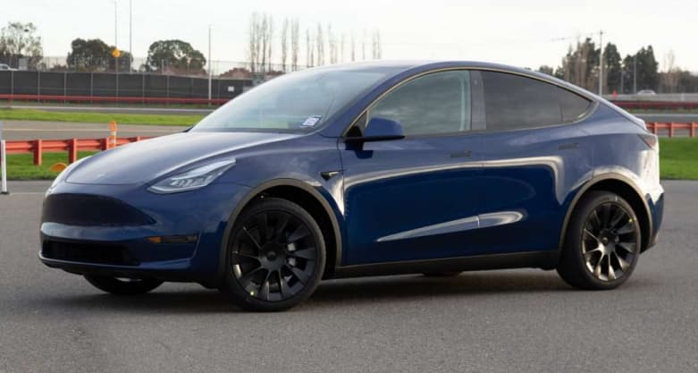 Tesla refunds customers for duplicate charges, offers $200 merchandise