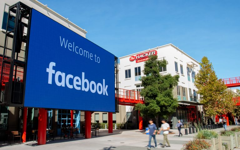 Facebook to use part of its headquarters as a public vaccination site